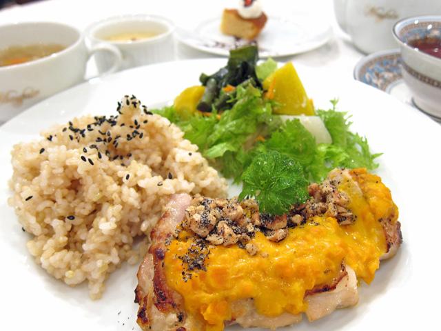 新潟市で玄米のランチ