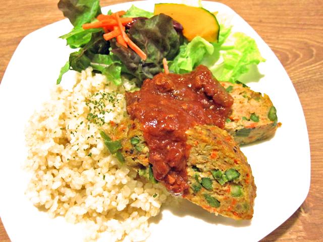 新潟市でミートローフをランチに食べるカフェ