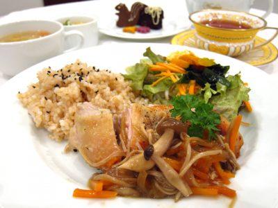 新潟市で玄米ランチとアンチョビ