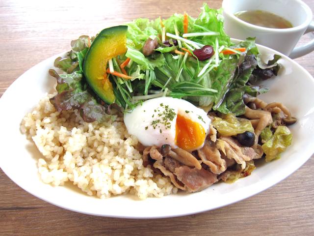 新潟市に来たらポーク生姜焼きをどうぞ。