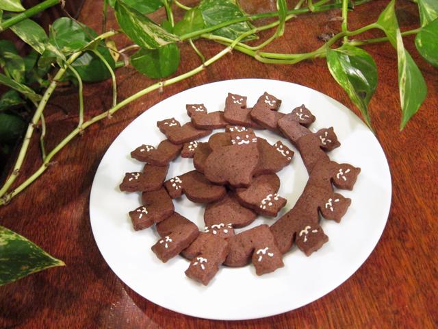 猫の形のチョコクッキー